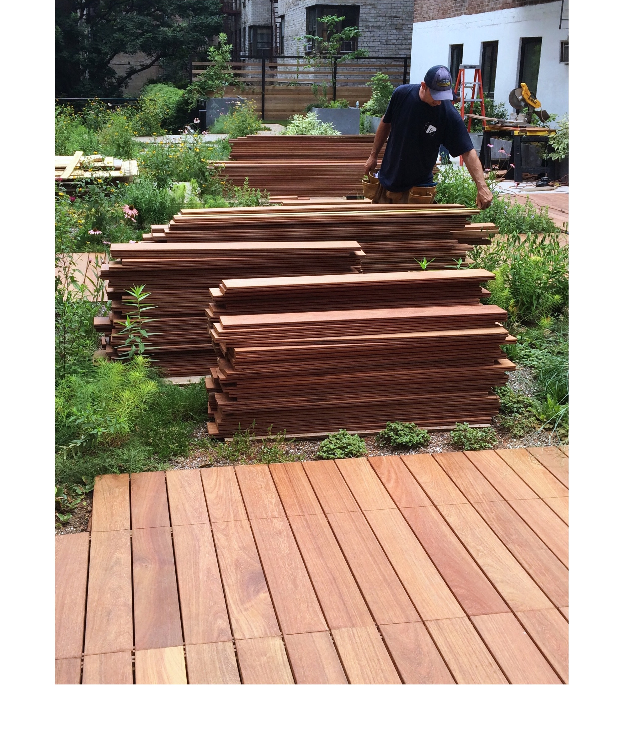 Sustainable manchiche decking at simbi tica living roof for Sustainable decking